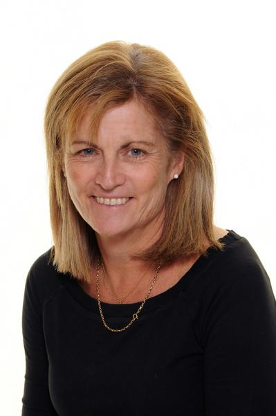 Mandy Bell   (Business Manager)
