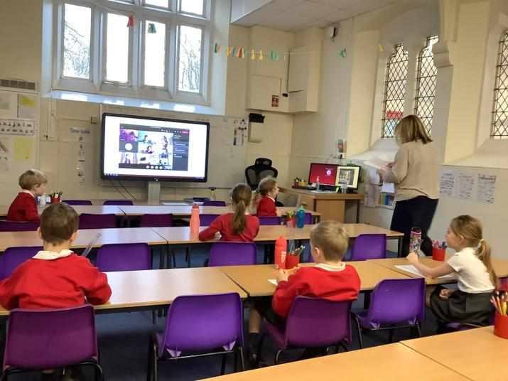 KS1 Children joining a live lesson in school and from home