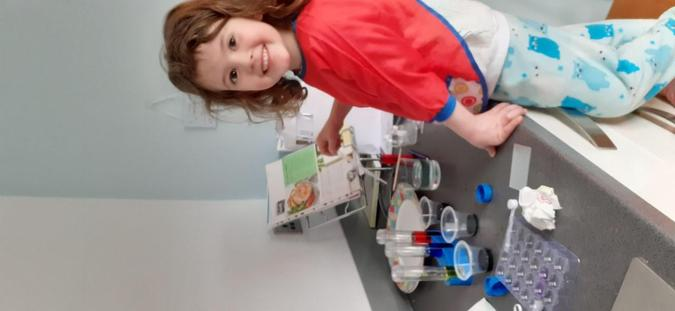 Sophie mixing colours and making crystals.