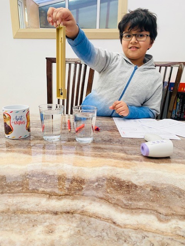 Hamza measuring temperatures