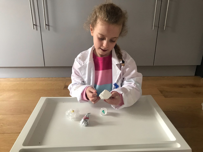 Scientist Laila is back to investigate!