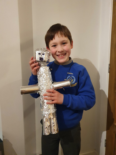 Thomas' brilliant Iron Man sculpture (with cogs)