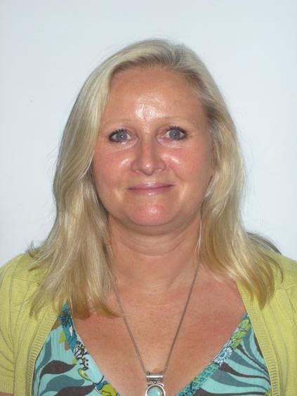 Mrs Toni Nicholson