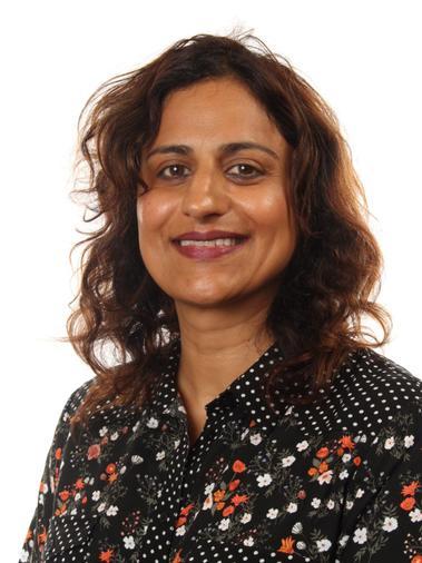 Sita Minhas - Associate Teacher