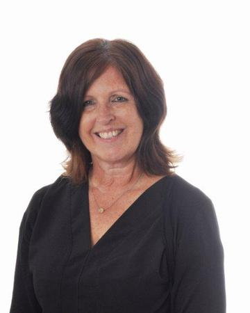 Mrs MacPherson (SEN Admin & Year 5 TA)