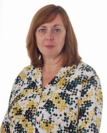 Mrs Underhill - Class Teacher