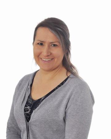 Mrs Ardis (Dyslexia Specialist & Year 6 Link)