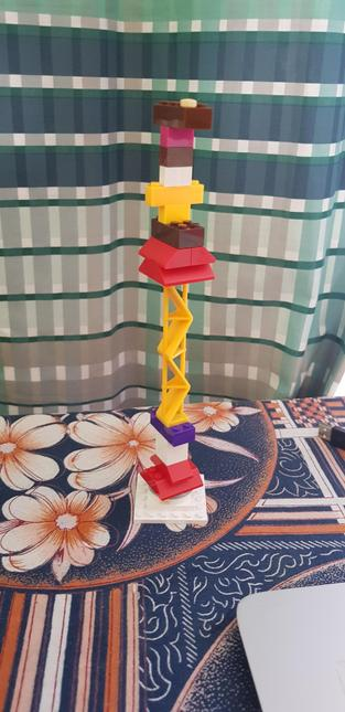 Jaffar built a tower with 26 pieces of lego!