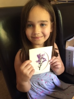 Alice made beautiful cards with her flowers!