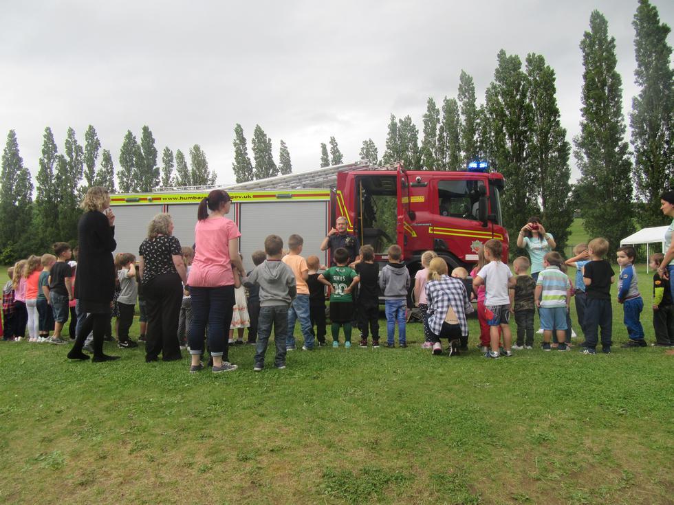 We had a look around the fire engine.JPG
