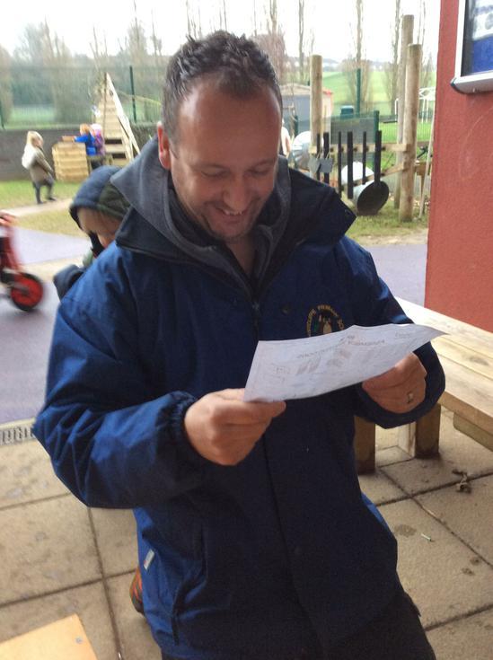 Mr Lockwood read the instructions..JPG