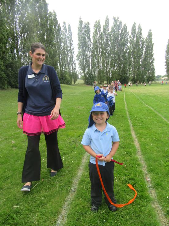 Mrs Crawford and Tien enjoying the toddle.JPG