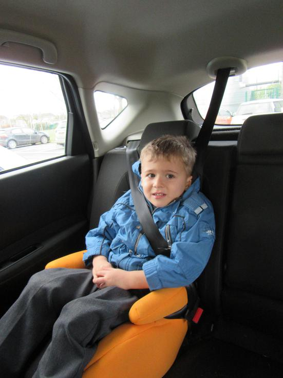 Oskar ready in Miss Lyon's car