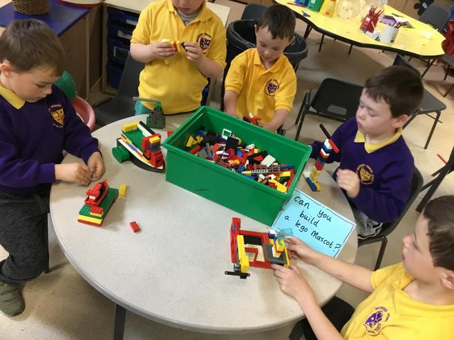 Our fantastic lego sport mascot making table!