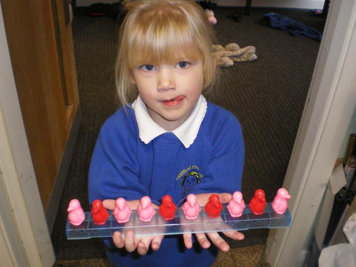 Neve attempts a repeating pattern