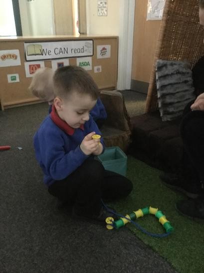 Repeating patterns with the bobbins