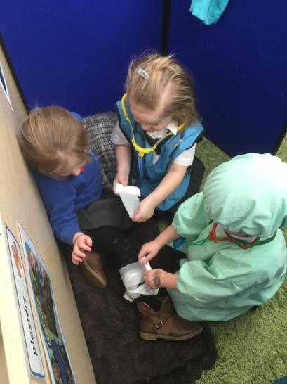 Bandaging a broken leg
