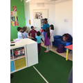Small classes in this English speaking school
