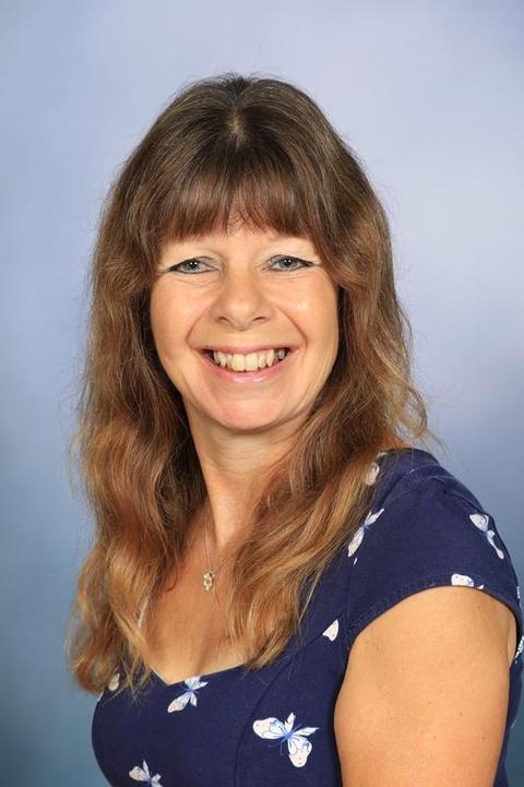 Mrs S Kenworthy - 2L LSA