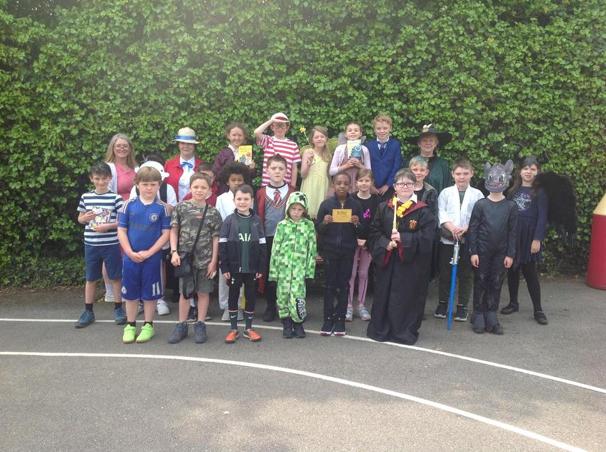 Class 2 with Mrs Shingleton, Mrs Rivers and Mrs Kent