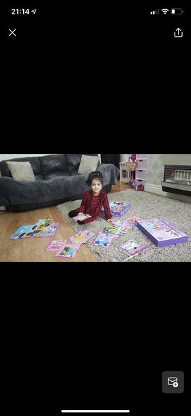 Aiza looks like she is fantastic at doing jigsaws!