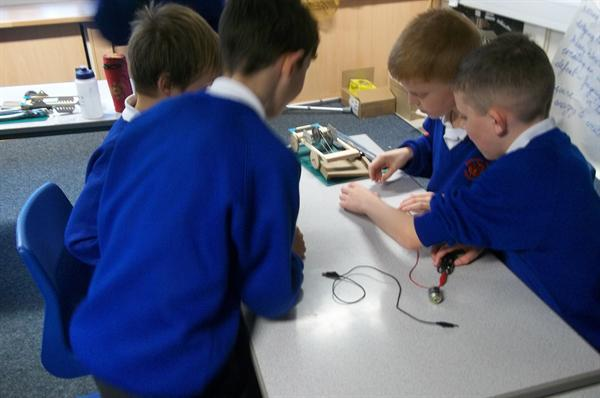 Electrical Circuit Beetle Drive
