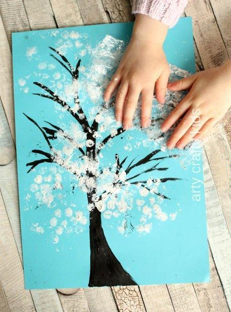 Finger print snow tree