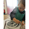 Painting the tyre on the wheel