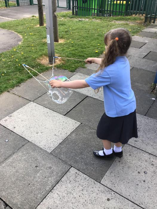 Giant bubbles in the sunshine!