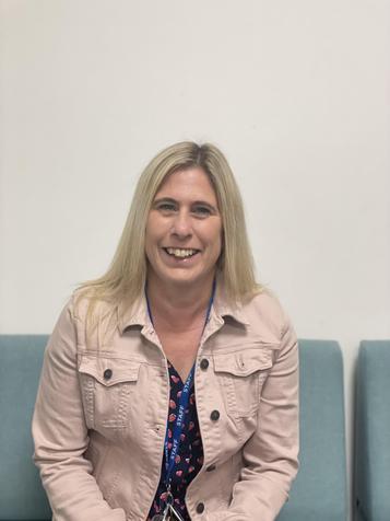 Mrs Victoria Collard, Class Teacher
