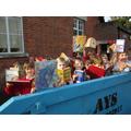Oak Tree class say, 'Reading isn't rubbish!'.