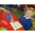 Using numicon to find one more and one less.