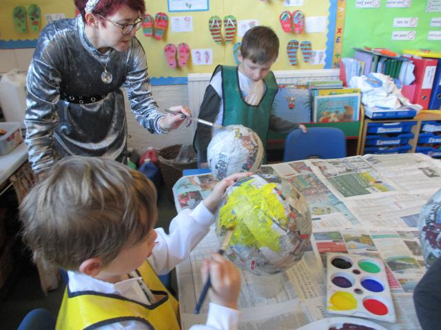 PAINTING PLANETS