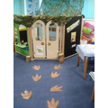 A Dinosaur Theme in Reception