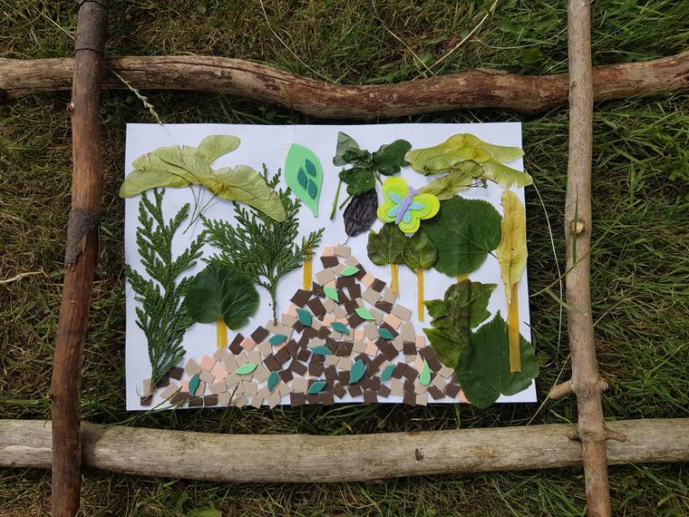Using natural materials for art in the wild