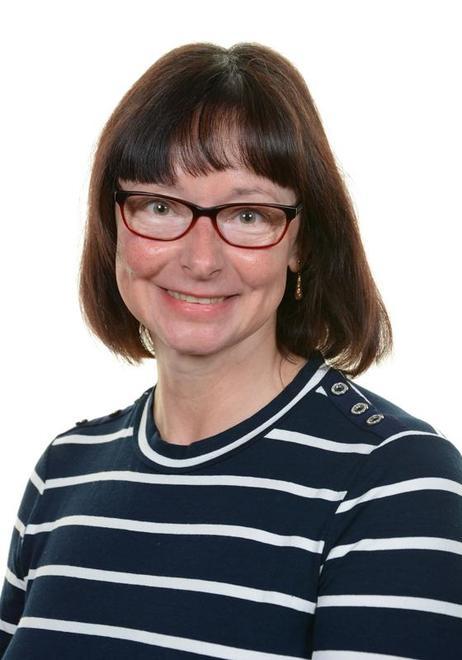 Mrs Pauline Fewtrell - Class Teacher and Y2 Lead Teacher