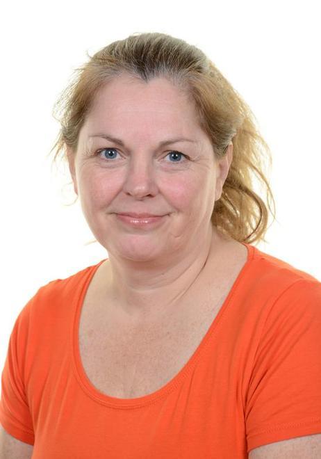 Mrs Elaine Knight-Lunchtime Supervisor