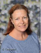 Mrs Lynn Davies-Year 5