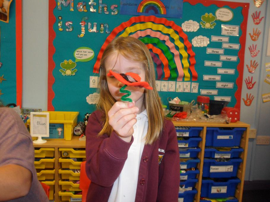 We curled the pipe cleaner to create a stalk