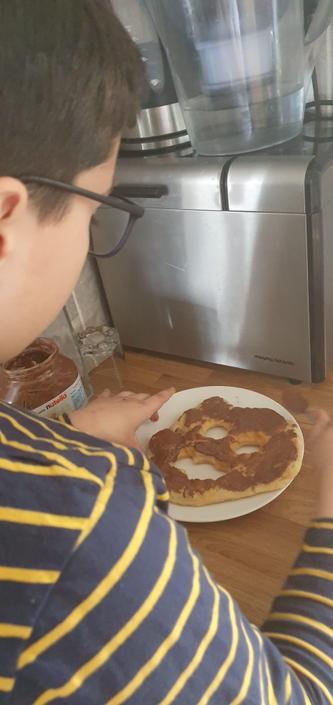 Darius' Delicious Nutella Ghost Pancake