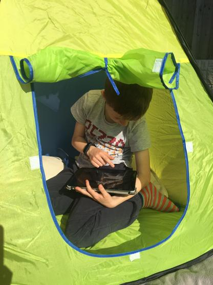 Outdoor class tent