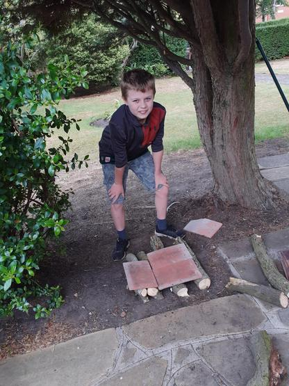 PGL 'at home' - bug hotel foundations