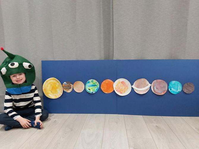 Alien George with his space project