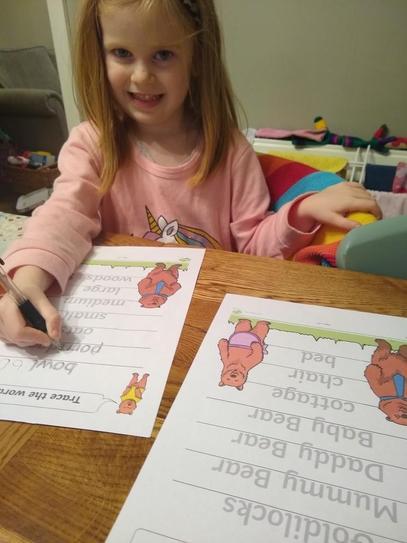 E practised writing some Goldilocks words!