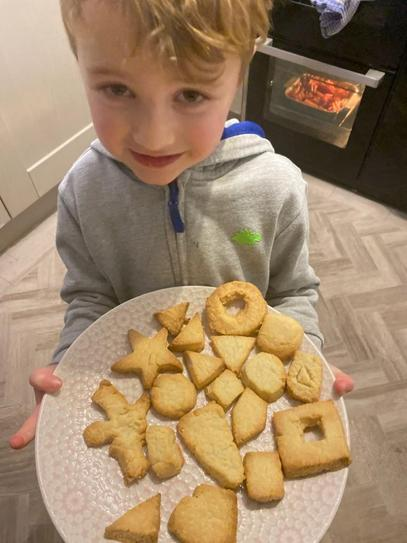 A baking cookies
