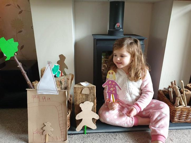 E made her own puppets!