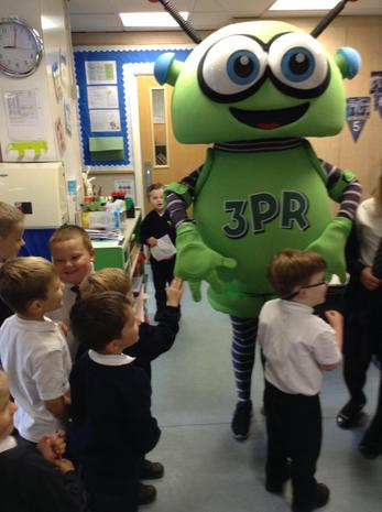 We had a visit for 3PR the robot!