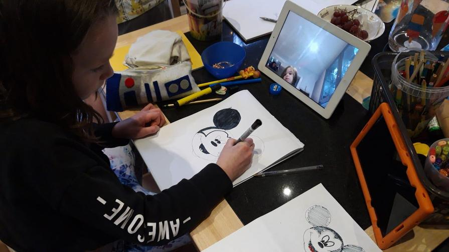 Aisling draws with Sophie online