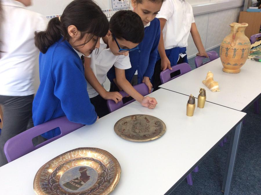 Year 3 investigating Egyptian artefacts