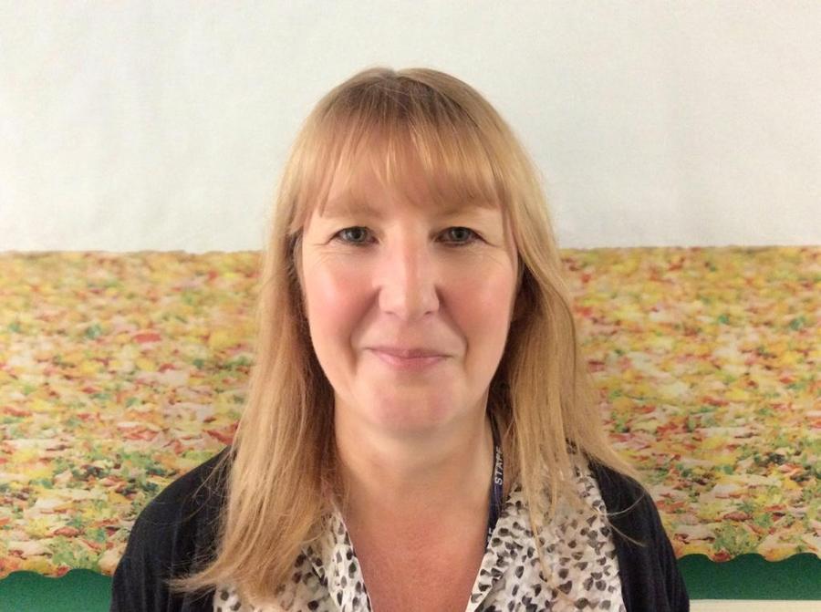1B  Mrs Leek - Teaching Assistant